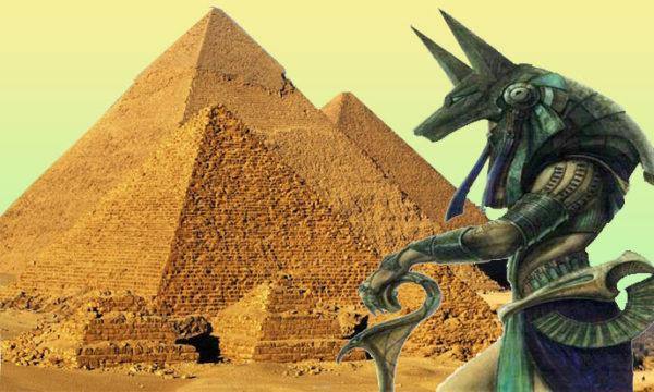 Pyramides d'Europe et d'Afrique