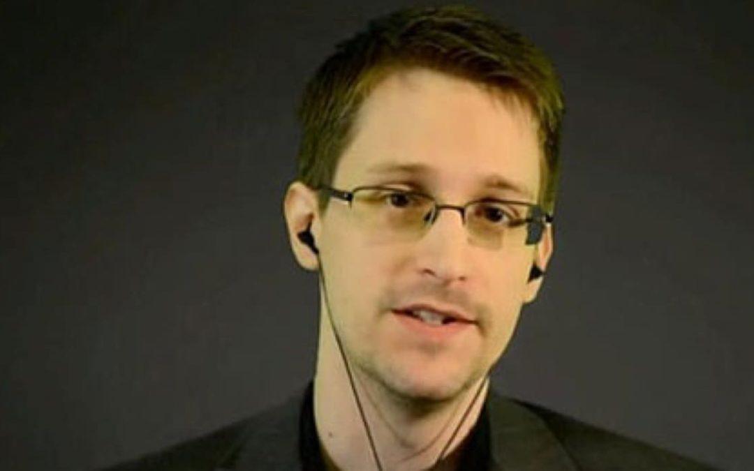 Edward Snowden signe une application de surveillance