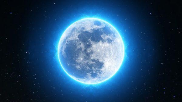Pleine lune du 12 décembre, danser au-dessus du vide