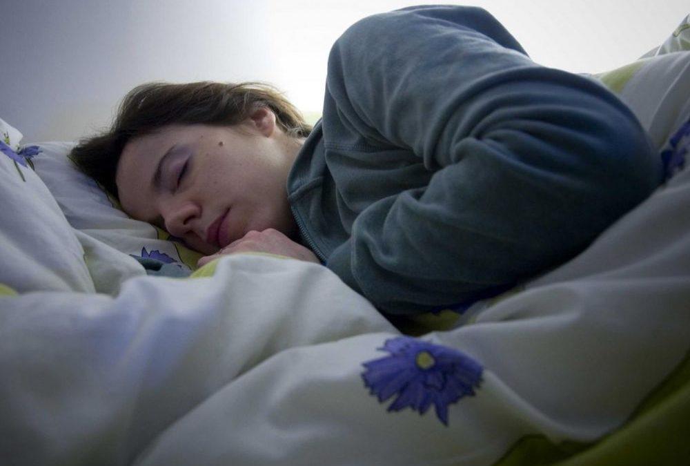 Quand on parle en dormant, on dit… beaucoup d'insultes