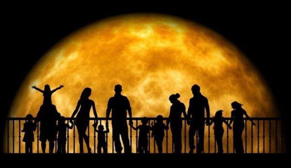 Les émotions que nous ressentons tous avant une pleine lune