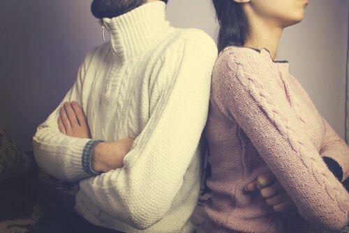 6 attitudes qui séparent plus que la distance