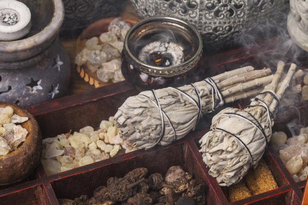 Une cérémonie de purification pourrait être la solution pour nettoyer votre âme