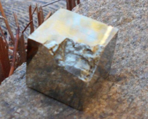 La Conscience Du Cristal De Pyrite