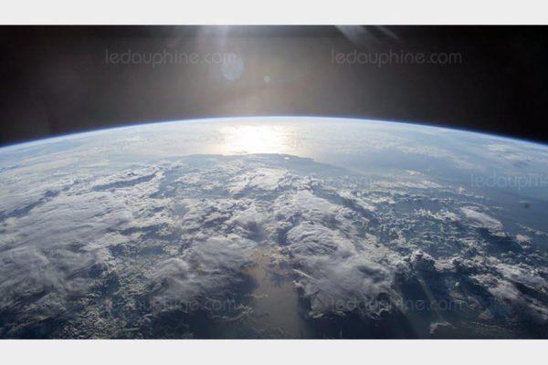 """Un """"ouragan de matière noire"""" déferle sur la Terre"""