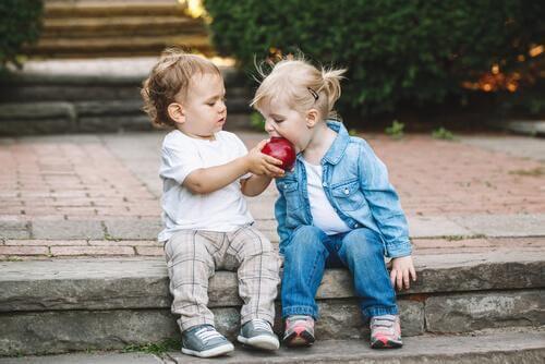 Les clés pour enseigner le partage aux enfants