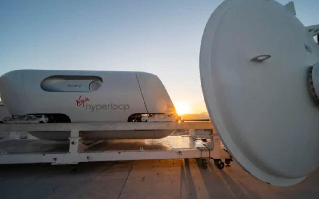 De premiers êtres humains ont voyagé à bord d'une capsule Hyperloop